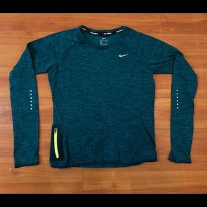 Nike running thermal longsleeve size small